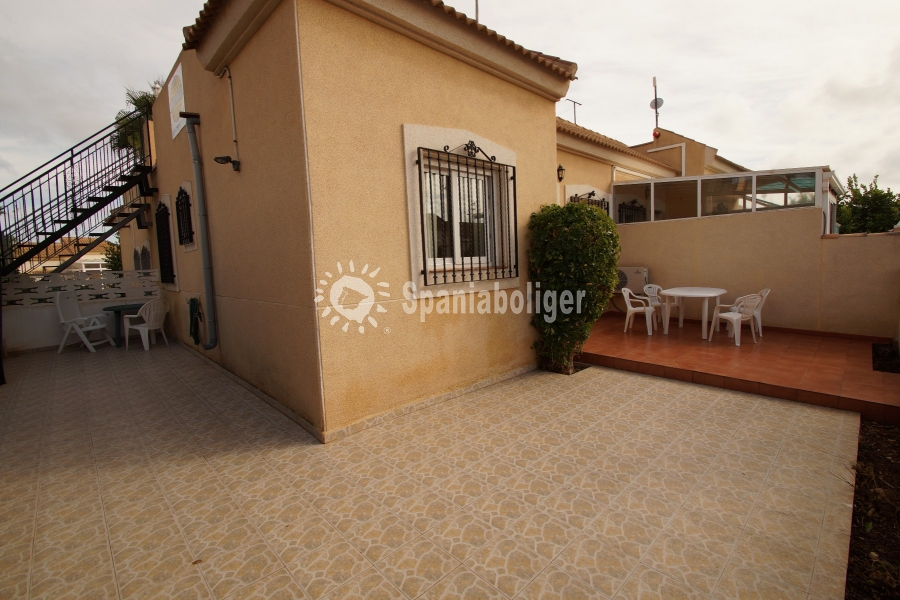 Resale - Semi-detached house - Torrevieja - Aguas Nuevas